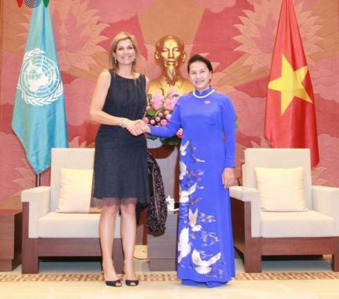 Chủ tịch Quốc hội Nguyễn Thị Kim Ngân tiếp Hoàng hậu Vương quốc Hà Lan - ảnh 1