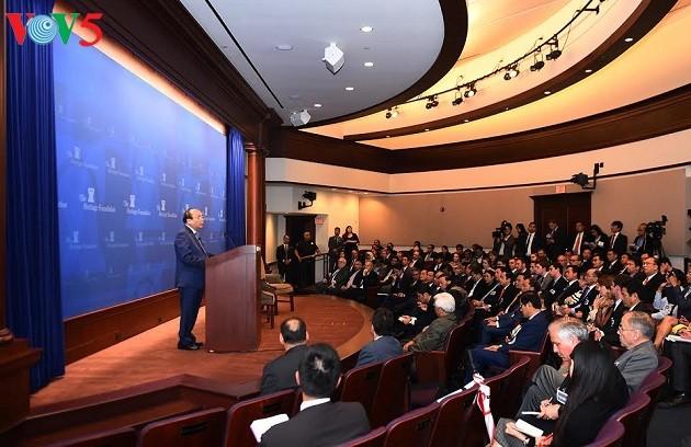 Thủ tướng Nguyễn Xuân Phúc thăm Viện Di sản tại Washington - ảnh 1