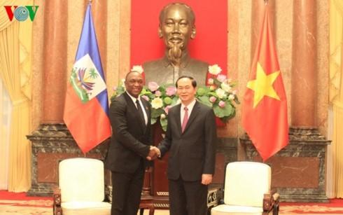 Chủ tịch nước Trần Đại Quang tiếp Chủ tịch Thượng viện Cộng hòa Haiti - ảnh 1