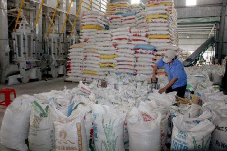 Việt Nam trao tặng 5000 tấn gạo cho Cuba - ảnh 1