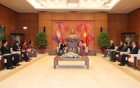 Chủ tịch Quốc hội Vương quốc Campuchia kết thúc tốt đẹp chuyến thăm hữu nghị chính thức Việt Nam - ảnh 1