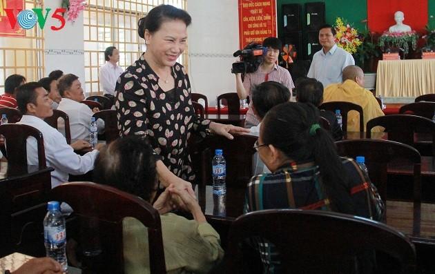 Chủ tịch Quốc hội Nguyễn Thị Kim Ngân tiếp xúc cử tri tại Cần Thơ - ảnh 1