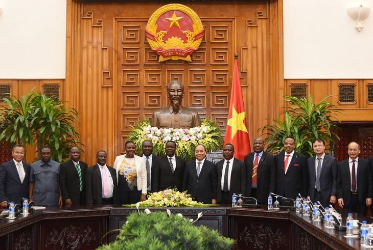Việt Nam và Tanzania phấn đấu đưa kim ngạch thương mại song phương đạt 1 tỷ  USD - ảnh 1