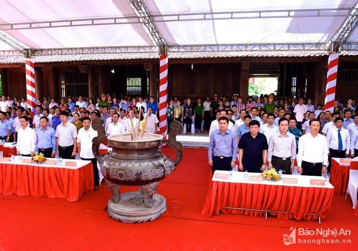 Tỉnh Nghệ An dâng hương, tưởng niệm 48 năm Ngày mất của Chủ tịch Hồ Chí Minh - ảnh 1