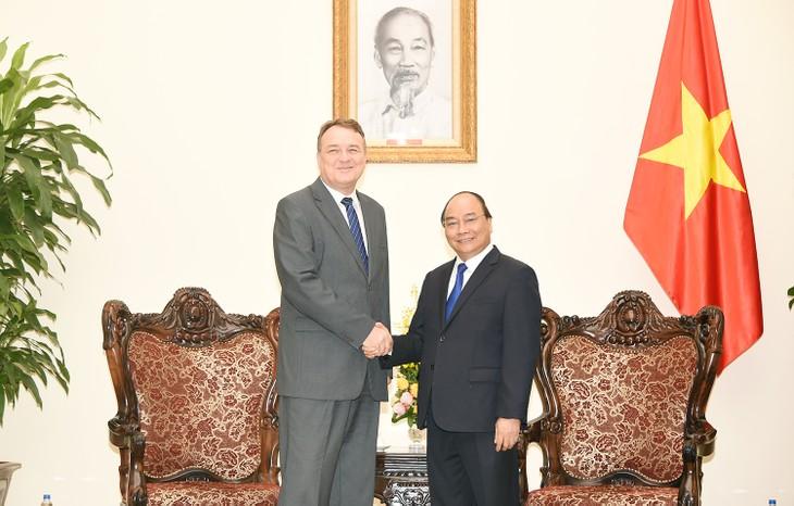 Thủ tướng Nguyễn Xuân Phúc tiếp Đại sứ Slovakia - ảnh 1