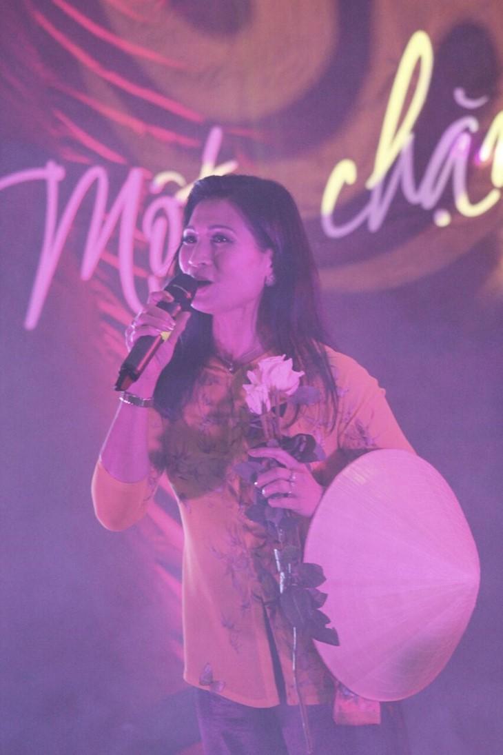 Kỷ niệm 10 năm ngày thành lập Hội văn hóa Việt Nam tại thành phố Ausburg, CHLB Đức - ảnh 6
