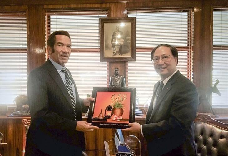 Việt Nam và Botswana tăng cường hợp tác kinh tế, thương mại - ảnh 1