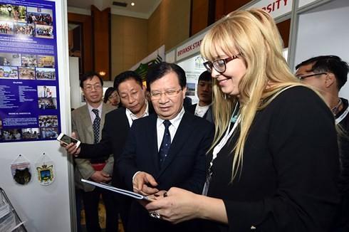 Phó Thủ tướng Trịnh Đình Dũng: Nhiều cơ hội hợp tác cho doanh nghiệp Việt – Nga - ảnh 1