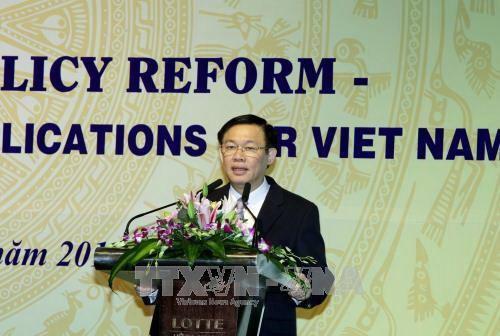 """Hội thảo """"Cải cách chính sách tiền lương, kinh nghiệm quốc tế và Việt Nam"""" - ảnh 1"""