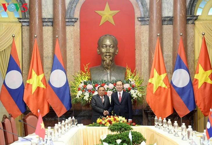 Chủ tịch nước Trần Đại Quang hội kiến Tổng Bí thư, Chủ tịch nước Lào Bounnhang Vorachith - ảnh 1