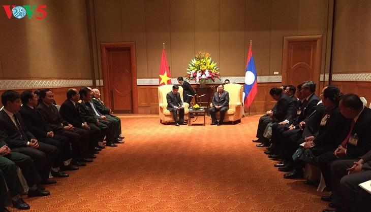Tổng Bí thư, Chủ tịch nước Lào Bounnhang Vorachith gặp đại diện Hội hữu nghị Việt- Lào - ảnh 1