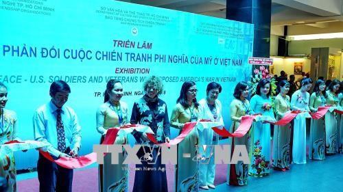 """Thông điệp hòa bình qua Triển lãm """"Làn sóng phản đối cuộc chiến tranh phi nghĩa của Mỹ ở Việt Nam"""" - ảnh 1"""