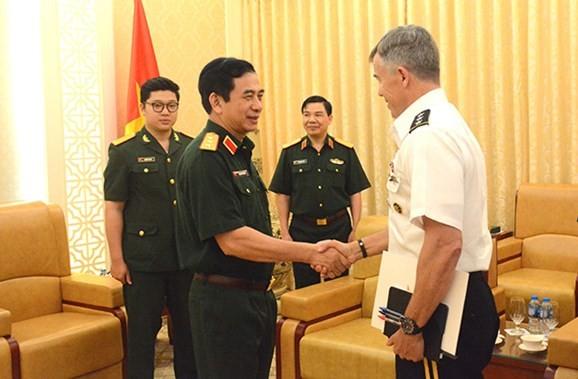 Tổng Tham mưu trưởng Quân đội nhân dân Việt Nam tiếp Phó Tư lệnh Thái Bình Dương Hoa Kỳ  - ảnh 1