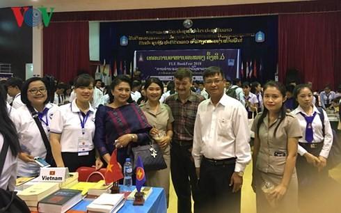 Triển lãm sách ASEAN tại Lào - ảnh 1