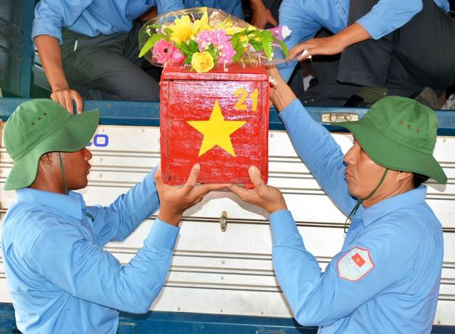 Tỉnh Gia Lai tổ chức lễ truy điệu, an táng hài cốt liệt sỹ hy sinh tại Campuchia - ảnh 1