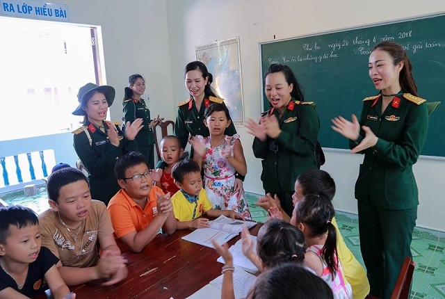 Trẻ em nơi sóng nước Trường Sa - ảnh 1