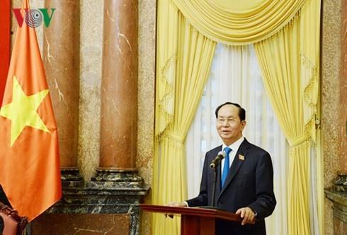 Chủ tịch nước Trần Đại Quang gặp mặt Nhóm nữ đại biểu Quốc hội Việt Nam khóa XIV - ảnh 1