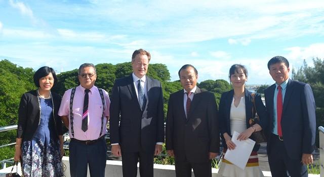 Thứ trưởng Bộ Ngoại giao Vũ Hồng Nam thăm Tahiti - ảnh 2