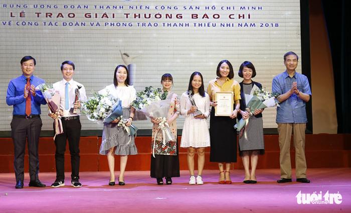 Trao giải thưởng báo chí toàn quốc về công tác đoàn và phong trào thanh thiếu nhi năm 2018  - ảnh 1