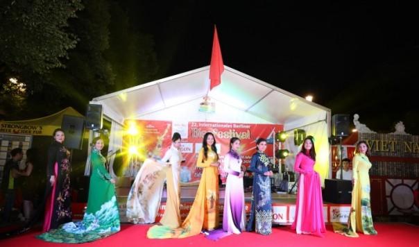 Công ty Asia Sky Tours của người Việt tham dự Liên hoan Bia quốc tế lần thứ 22 tại Berlin - ảnh 3
