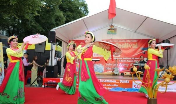 Công ty Asia Sky Tours của người Việt tham dự Liên hoan Bia quốc tế lần thứ 22 tại Berlin - ảnh 4
