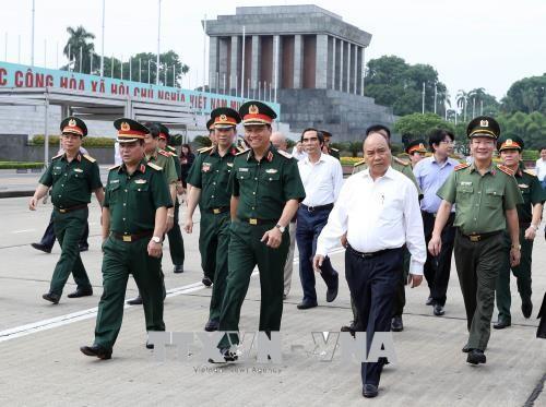 Thủ tướng Nguyễn Xuân Phúc kiểm tra công tác tu bổ định kỳ Công trình Lăng Chủ tịch Hồ Chí Minh - ảnh 1