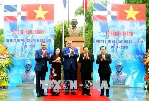 Khánh thành tượng đài Tổng thống đầu tiên của nước Cộng hòa Dominicana tại Hà Nội - ảnh 1