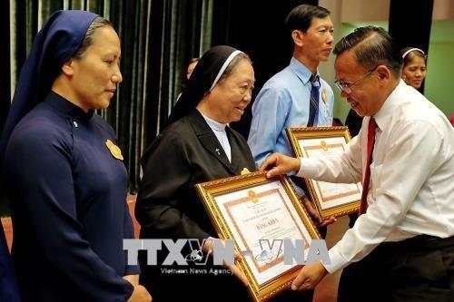 Biểu dương 85 gương điển hình đồng bào Công giáo có nhiều đóng góp trong công tác từ thiện xã hội - ảnh 1