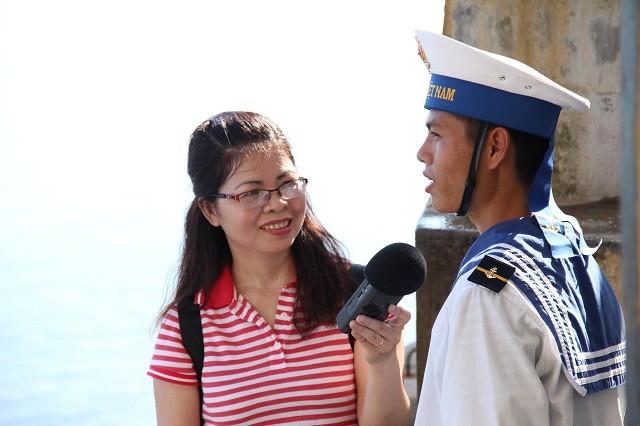 Chiến sĩ đảo Đá Đông vững vàng bám trụ nơi đầu sóng - ảnh 1