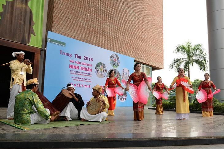 Sắc màu văn hóa Ninh Thuận là điểm nhấn Tết Trung Thu ở Bảo tàng dân tộc học (Hà Nội) - ảnh 1