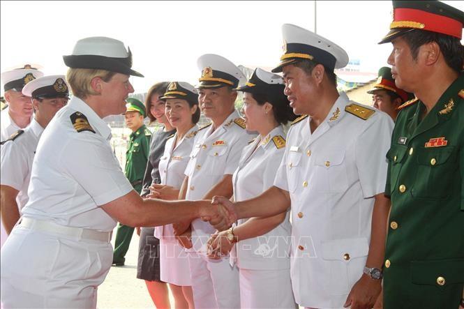 Đoàn sỹ quan, thủy thủ tàu Hải quân Hoàng gia New Zealand thăm hữu nghị Việt Nam - ảnh 1