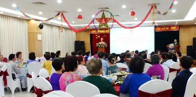 Gặp mặt các cựu giáo viên kiều bào Thái Lan về thăm Việt Nam - ảnh 4