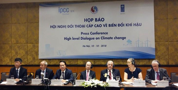 Việt Nam chủ động, tích cực thực hiện các cam kết quốc tế về biến đổi khí hậu - ảnh 1