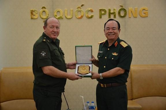 Tăng cường chia sẻ kinh nghiệm gìn giữ hòa bình giữa Nga và Việt Nam - ảnh 1