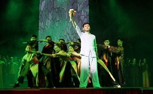 """Thành phố Hồ Chí Minh: Công diễn vở cải lương """"Tổ quốc nơi cuối con đường"""" cho công nhân, người lao động - ảnh 1"""