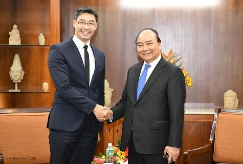 Chính phủ Việt Nam luôn lắng nghe ý kiến góp ý của các trí thức, nhà đầu tư, doanh nghiệp - ảnh 1