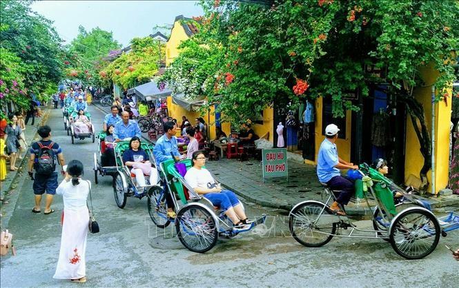 Khách quốc tế đến Việt Nam đạt hơn 14,1 triệu lượt - ảnh 1