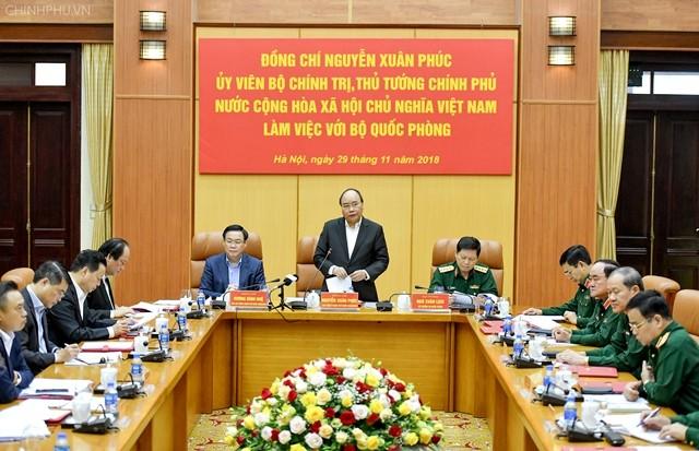 Thủ tướng Nguyễn Xuân Phúc làm việc với Bộ Quốc phòng - ảnh 1
