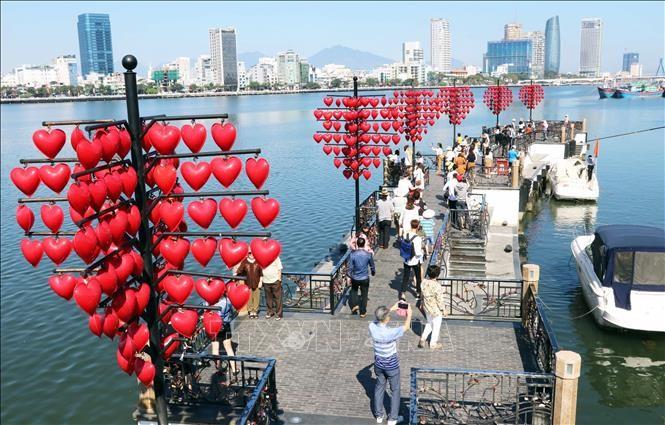 Ngày tình yêu Valentine trở thành ngày lễ đẹp ở Việt Nam - ảnh 1