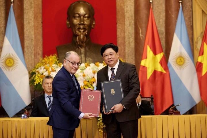 Tổng thống Cộng hòa Argentina Mauricio Macri và Phu nhân thăm cấp Nhà nước tới Việt Nam - ảnh 3