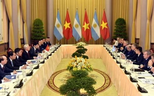 Tổng thống Cộng hòa Argentina Mauricio Macri và Phu nhân thăm cấp Nhà nước tới Việt Nam - ảnh 2