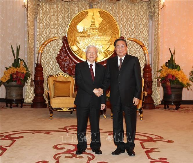 Tổng Bí thư, Chủ tịch nước Nguyễn Phú Trọng gặp nguyên Tổng Bí thư, nguyên Chủ tịch nước Lào Choumaly Sayasone - ảnh 1