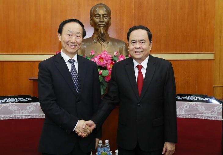 Góp phần vun đắp quan hệ hữu nghị giữa nhân dân hai nước Việt Nam - Trung Quốc - ảnh 1
