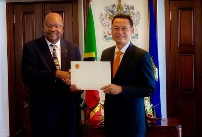 Đại sứ Việt Nam tại Cuba kiêm nhiệm Liên bang Saint Kitts và Nevis Nguyễn Trung Thành trình Quốc thư - ảnh 1