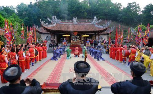 Tín ngưỡng thờ cúng Hùng Vương gắn kết dân tộc Việt Nam - ảnh 1