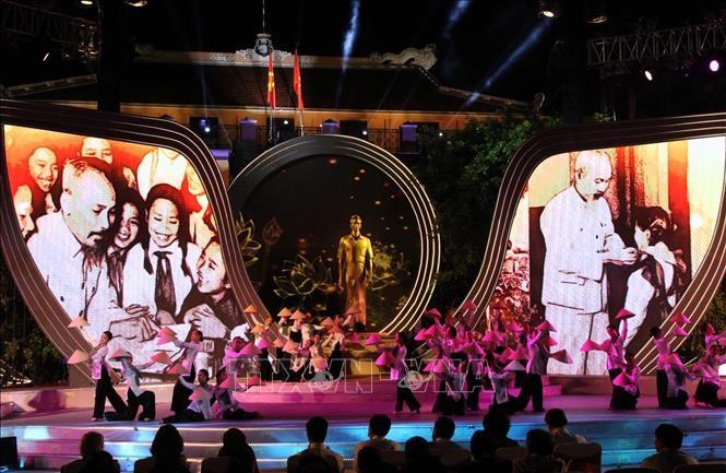 """Cầu truyền hình """"Nguồn sáng dẫn đường"""" nhân 50 năm thực hiện Di chúc của Chủ tịch Hồ Chí Minh - ảnh 1"""