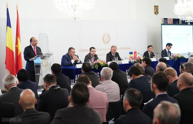 Thủ tướng Nguyễn Xuân Phúc dự Diễn đàn doanh nghiệp Việt Nam-Romania - ảnh 1