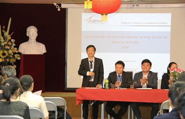 Sinh viên Việt Nam tại Pháp tăng cường hoạt động hướng về đất nước - ảnh 1
