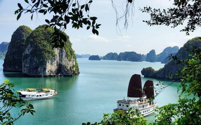 Vịnh Hạ Long lọt vào nhóm 25 kỳ quan thiên nhiên đẹp nhất thế giới - ảnh 1