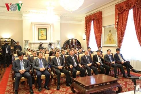 Bộ trưởng Bộ Công an Tô Lâm thăm đại sứ quán Việt Nam tại Hoa Kỳ - ảnh 2